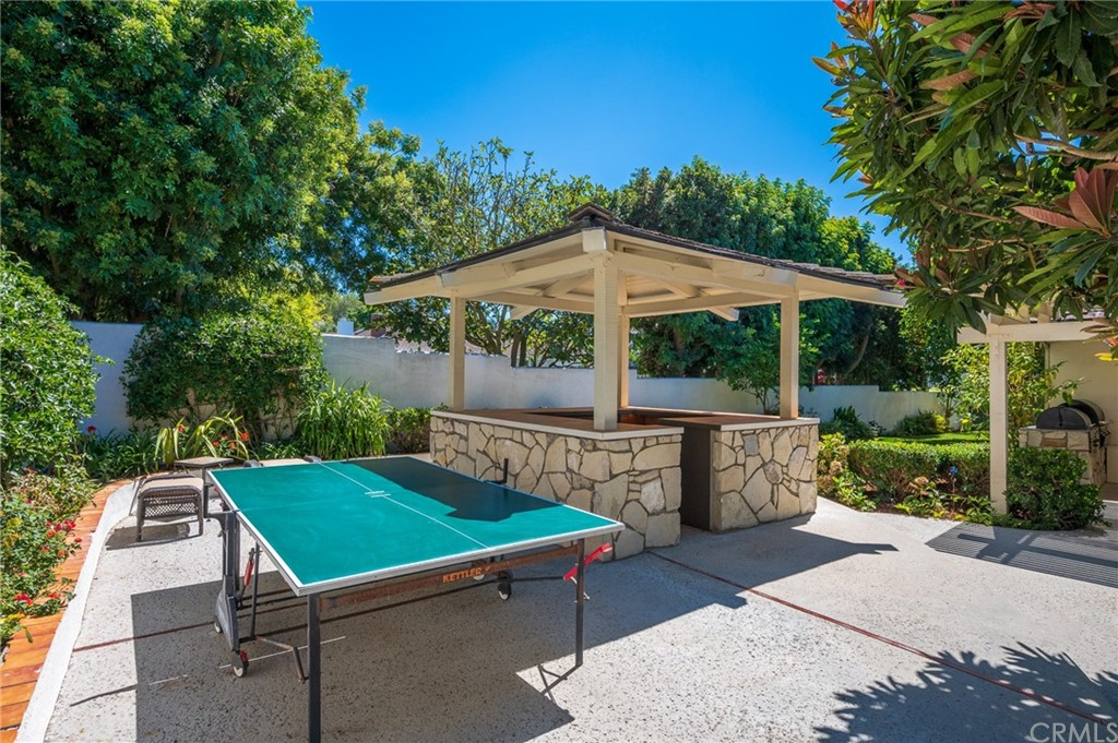 Pending   17 Country Meadow Road Rolling Hills Estates, CA 90274 43