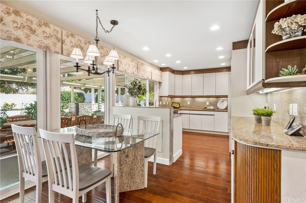 Pending   17 Country Meadow Road Rolling Hills Estates, CA 90274 34