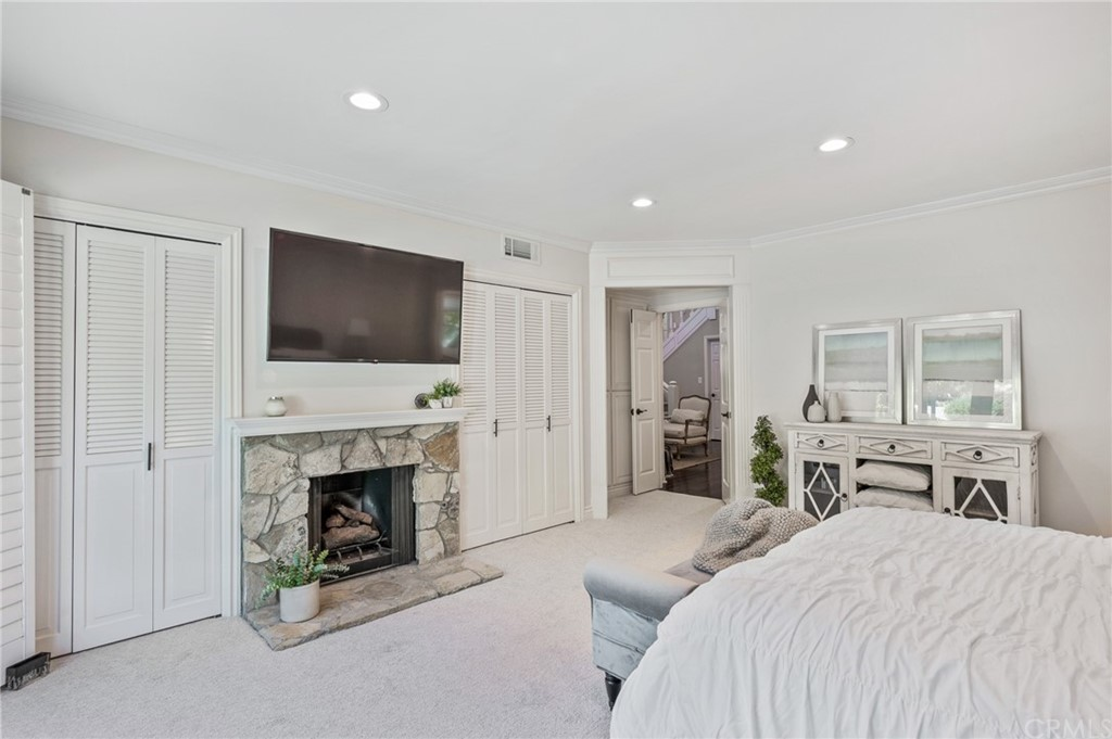 Pending   17 Country Meadow Road Rolling Hills Estates, CA 90274 21