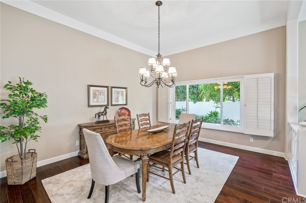 Pending   17 Country Meadow Road Rolling Hills Estates, CA 90274 17