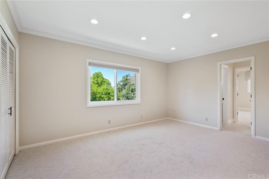 Pending   17 Country Meadow Road Rolling Hills Estates, CA 90274 8