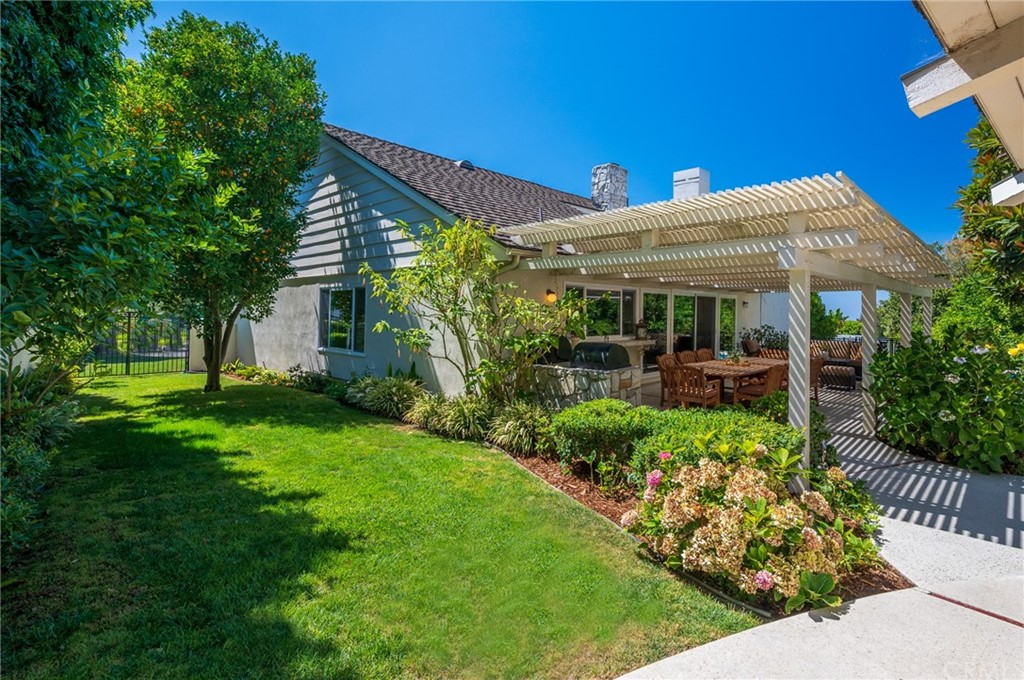 Pending   17 Country Meadow Road Rolling Hills Estates, CA 90274 42