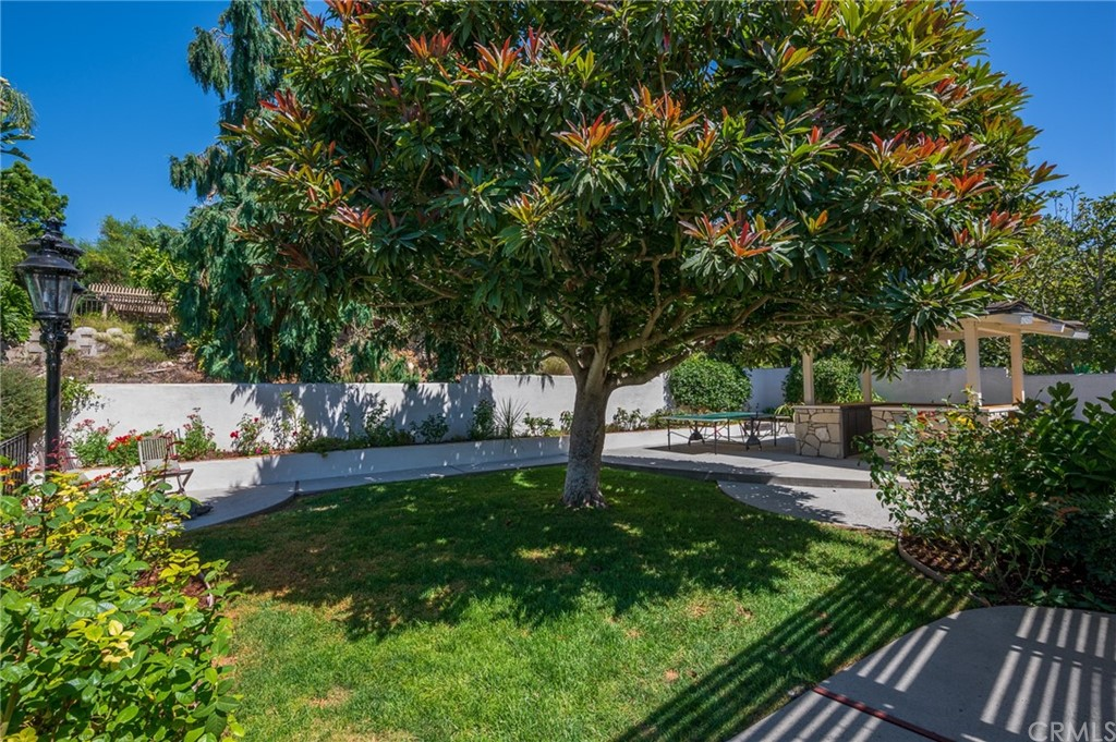 Pending   17 Country Meadow Road Rolling Hills Estates, CA 90274 41
