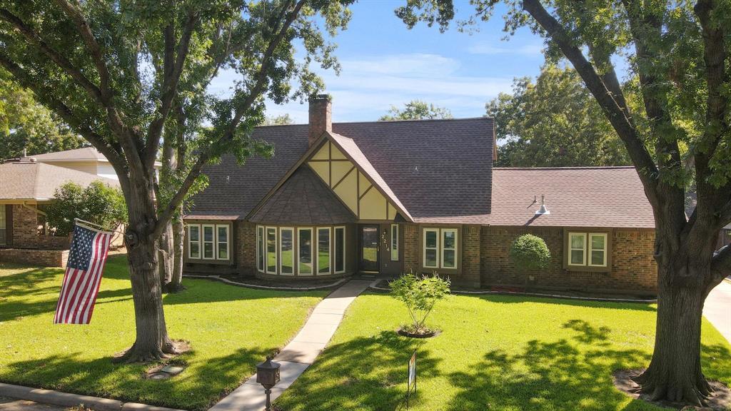 Pending   2214 Bishop Street Grand Prairie, Texas 75050 1