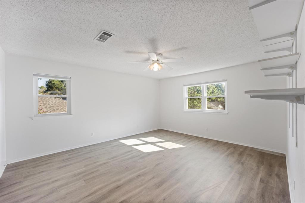 Pending   2214 Bishop Street Grand Prairie, Texas 75050 17