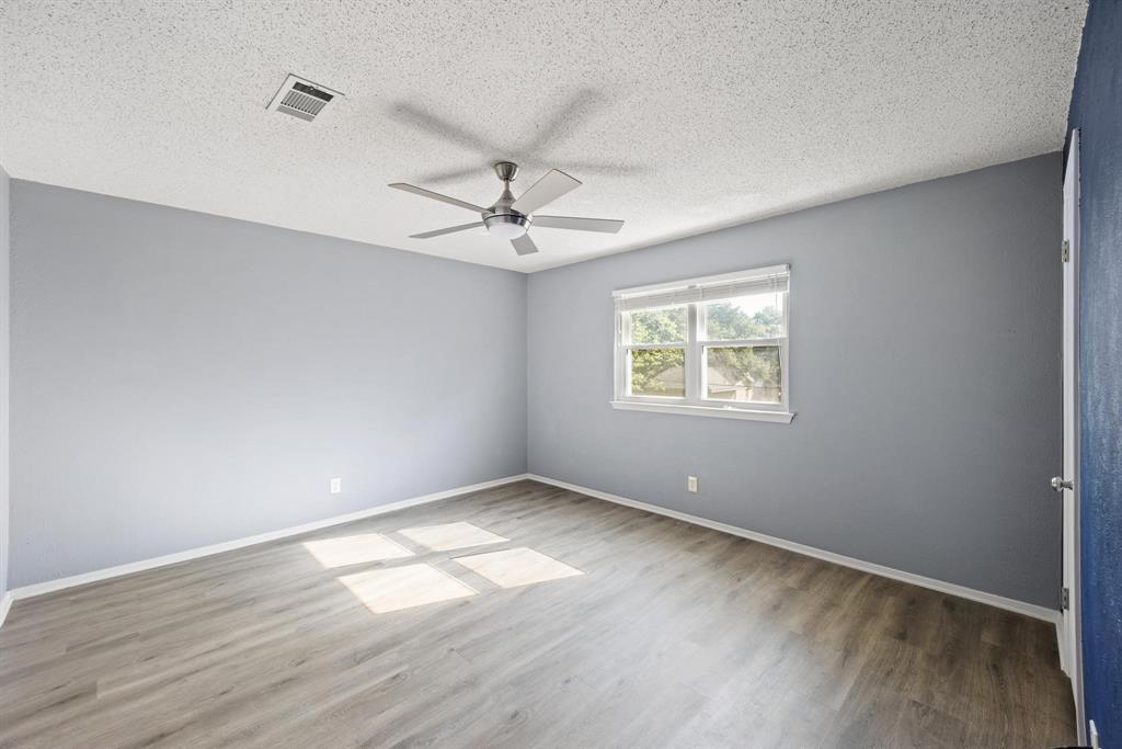 Pending   2214 Bishop Street Grand Prairie, Texas 75050 19