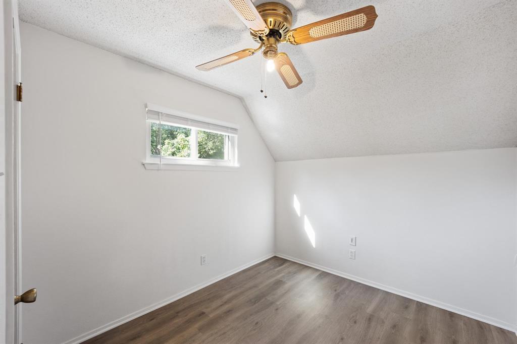 Pending   2214 Bishop Street Grand Prairie, Texas 75050 20