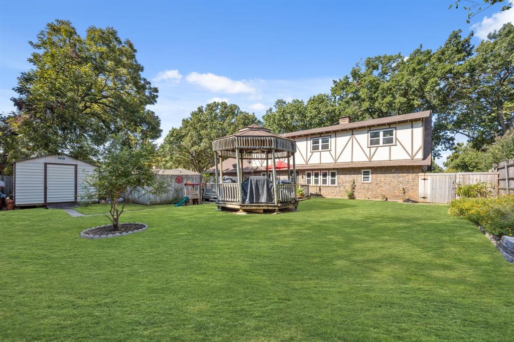 Pending   2214 Bishop Street Grand Prairie, Texas 75050 26