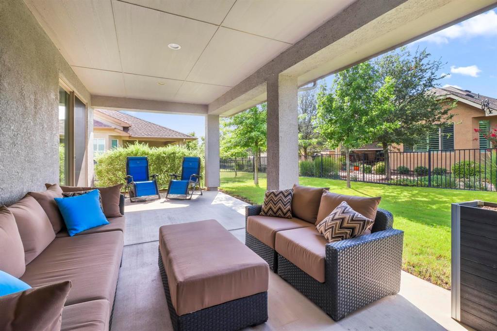 Pending | 10100 Sandhurst Drive Denton, Texas 76207 33