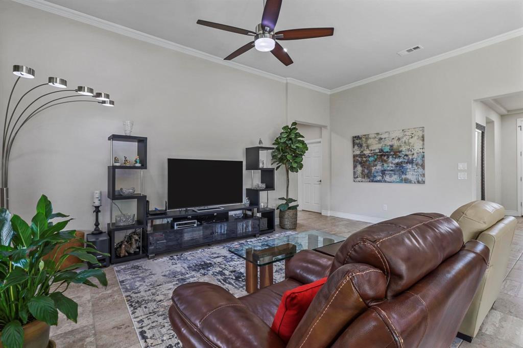 Pending | 10100 Sandhurst Drive Denton, Texas 76207 7