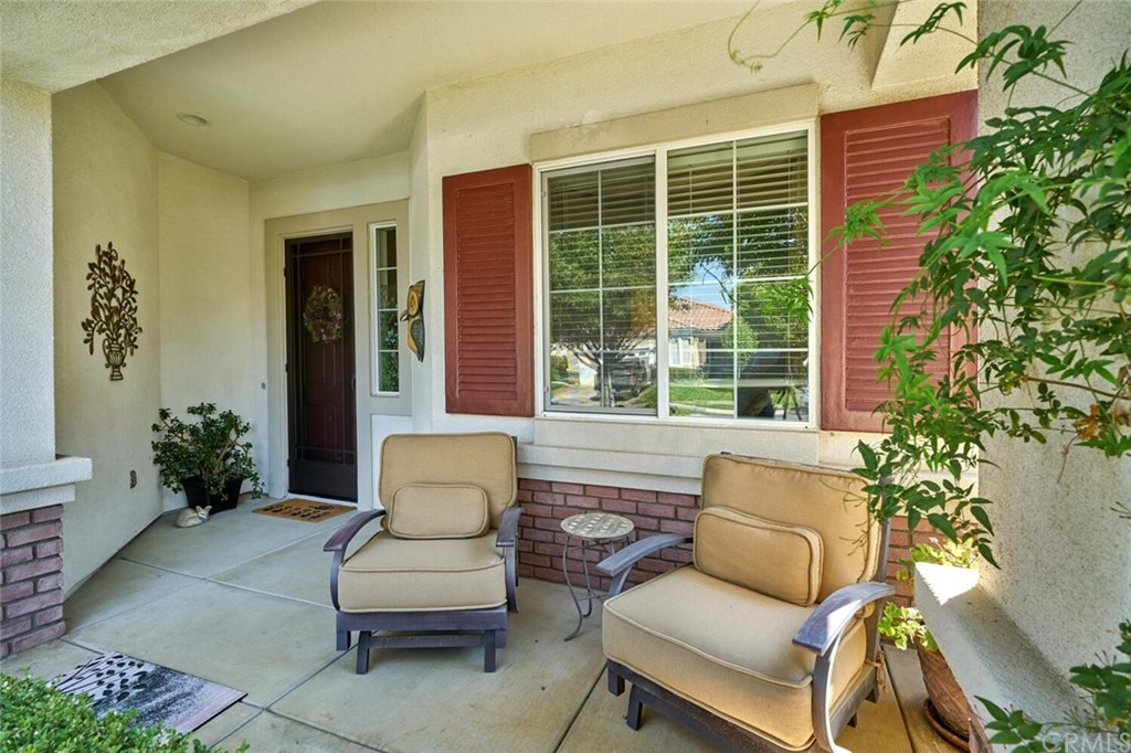 Pending | 1770 N Forest Oaks Drive Beaumont, CA 92223 2