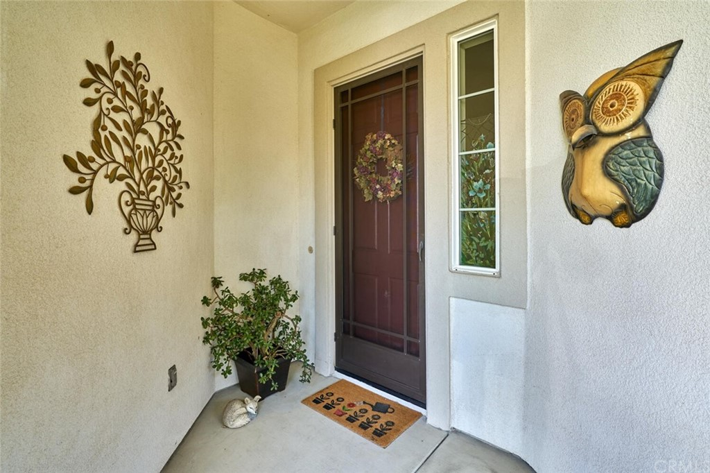 Pending | 1770 N Forest Oaks Drive Beaumont, CA 92223 3