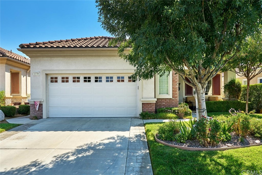 Pending | 1770 N Forest Oaks Drive Beaumont, CA 92223 1
