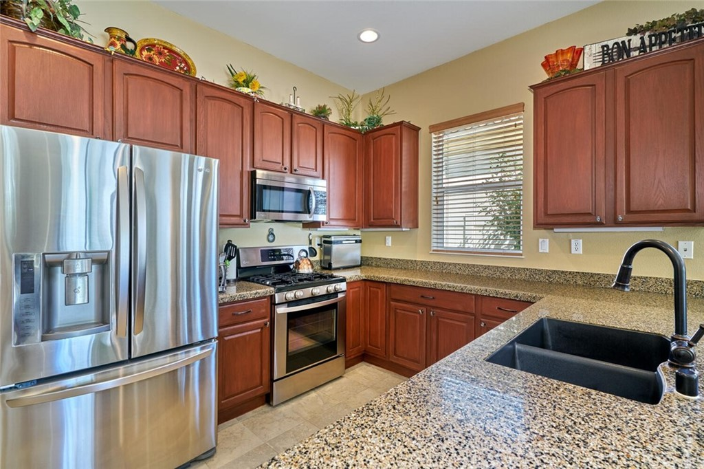Pending | 1770 N Forest Oaks Drive Beaumont, CA 92223 8