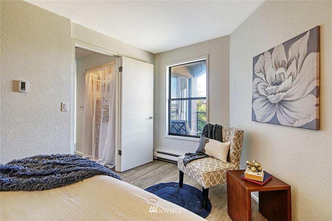 Pending | 4000 24th Avenue W #301 Seattle, WA 98199 3