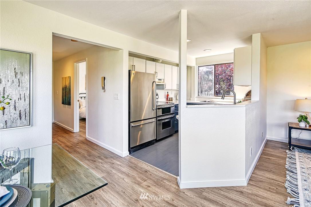 Pending | 4000 24th Avenue W #301 Seattle, WA 98199 11