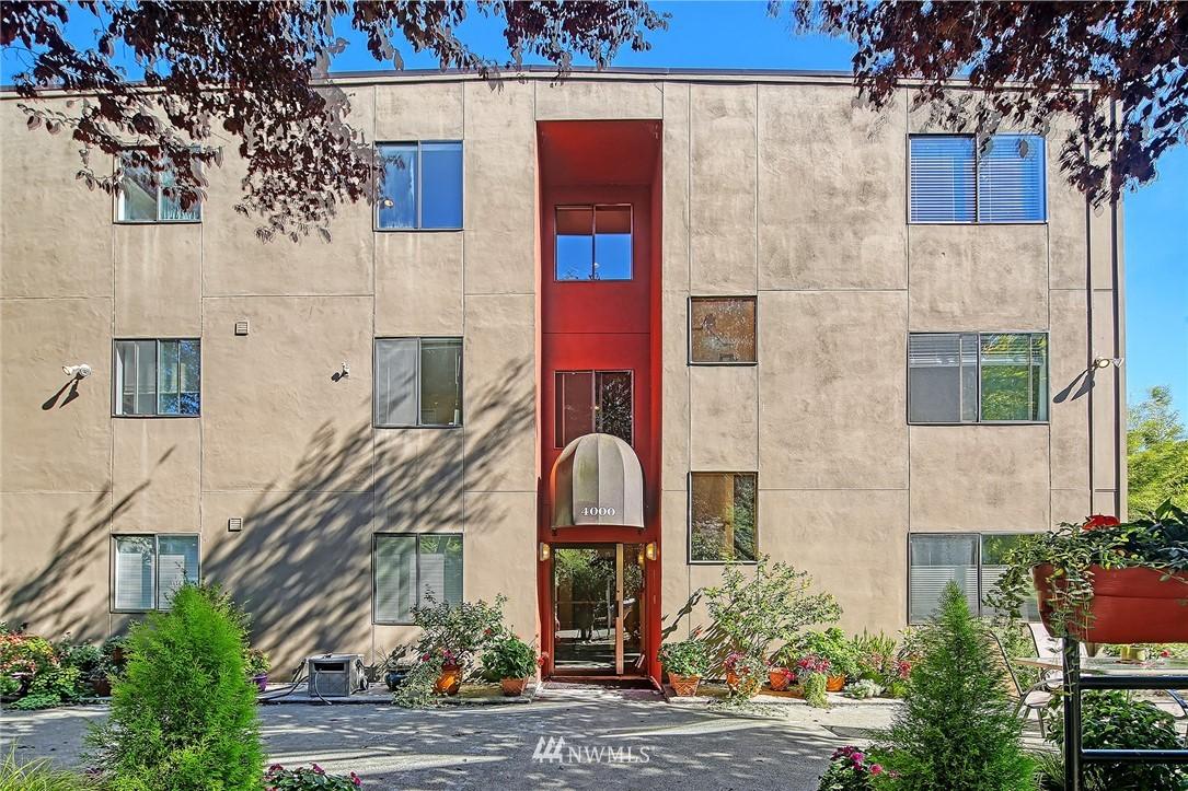 Pending | 4000 24th Avenue W #301 Seattle, WA 98199 16