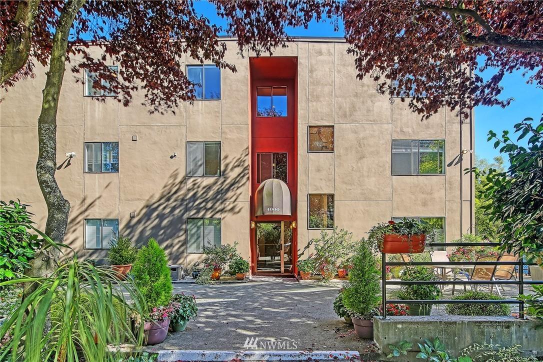 Pending | 4000 24th Avenue W #301 Seattle, WA 98199 18