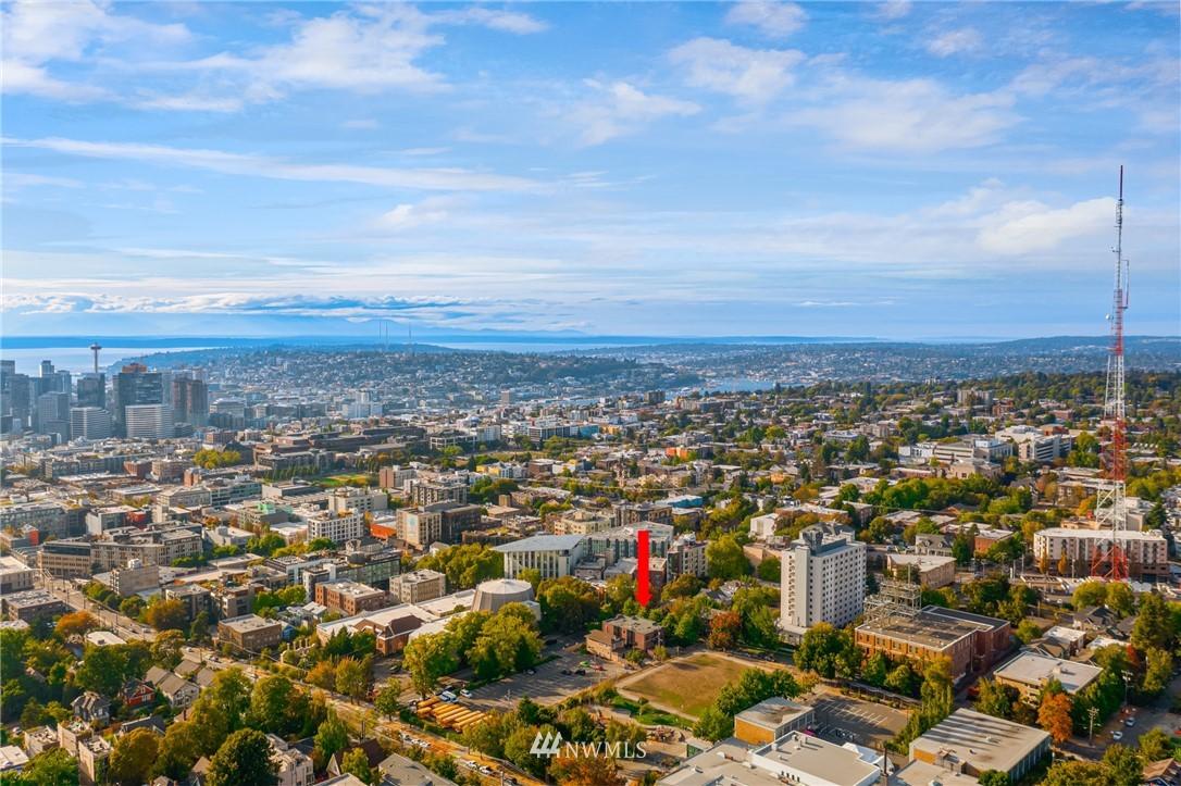 Pending | 1605 E Pike Street #203 Seattle, WA 98122 2