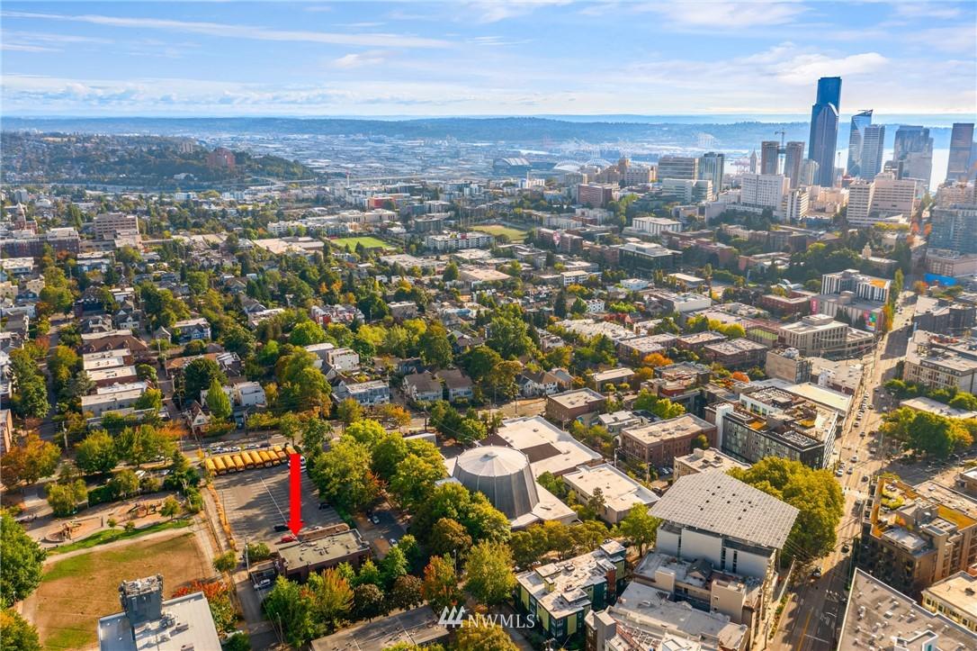 Pending | 1605 E Pike Street #203 Seattle, WA 98122 27