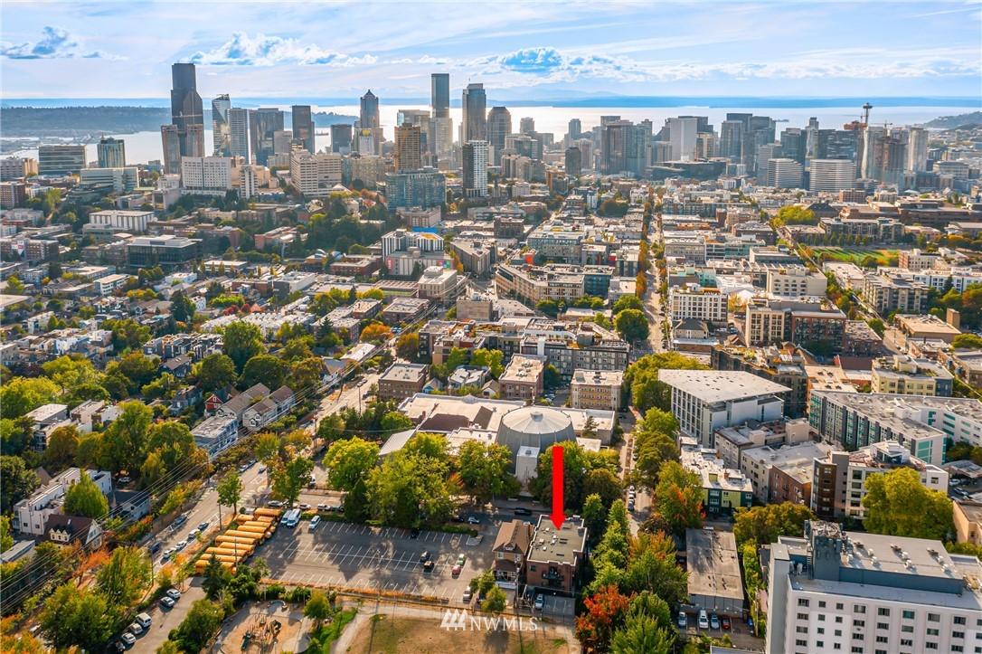 Pending | 1605 E Pike Street #203 Seattle, WA 98122 28