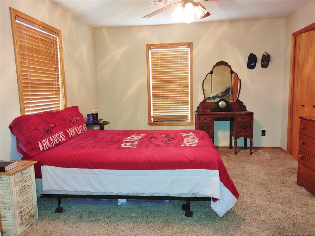 Off Market   15966 N Clear Creek Road Hulbert, Oklahoma 74441 15