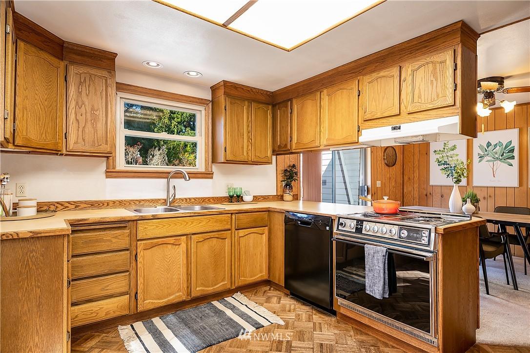 Sold Property | 18555 Fremont Avenue N Shoreline, WA 98133 7