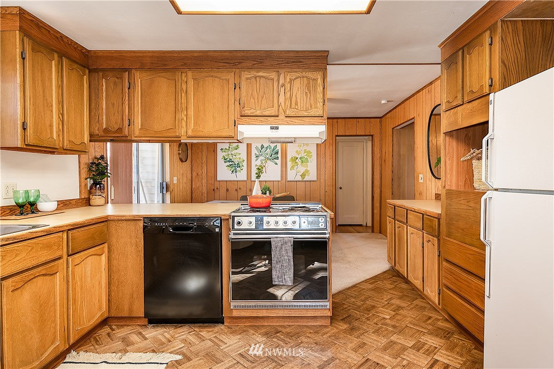Sold Property | 18555 Fremont Avenue N Shoreline, WA 98133 6