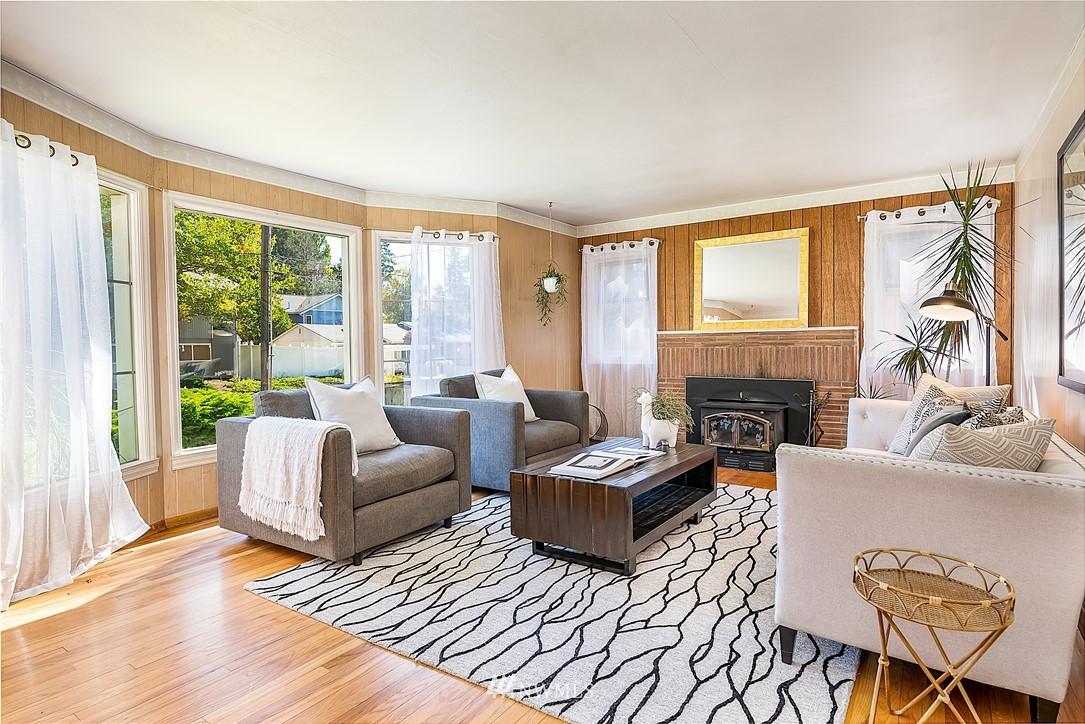 Sold Property | 18555 Fremont Avenue N Shoreline, WA 98133 3