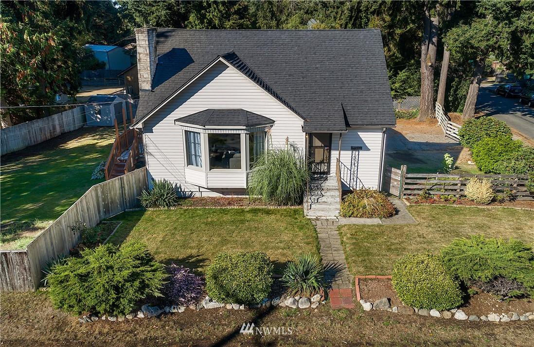 Sold Property | 18555 Fremont Avenue N Shoreline, WA 98133 1