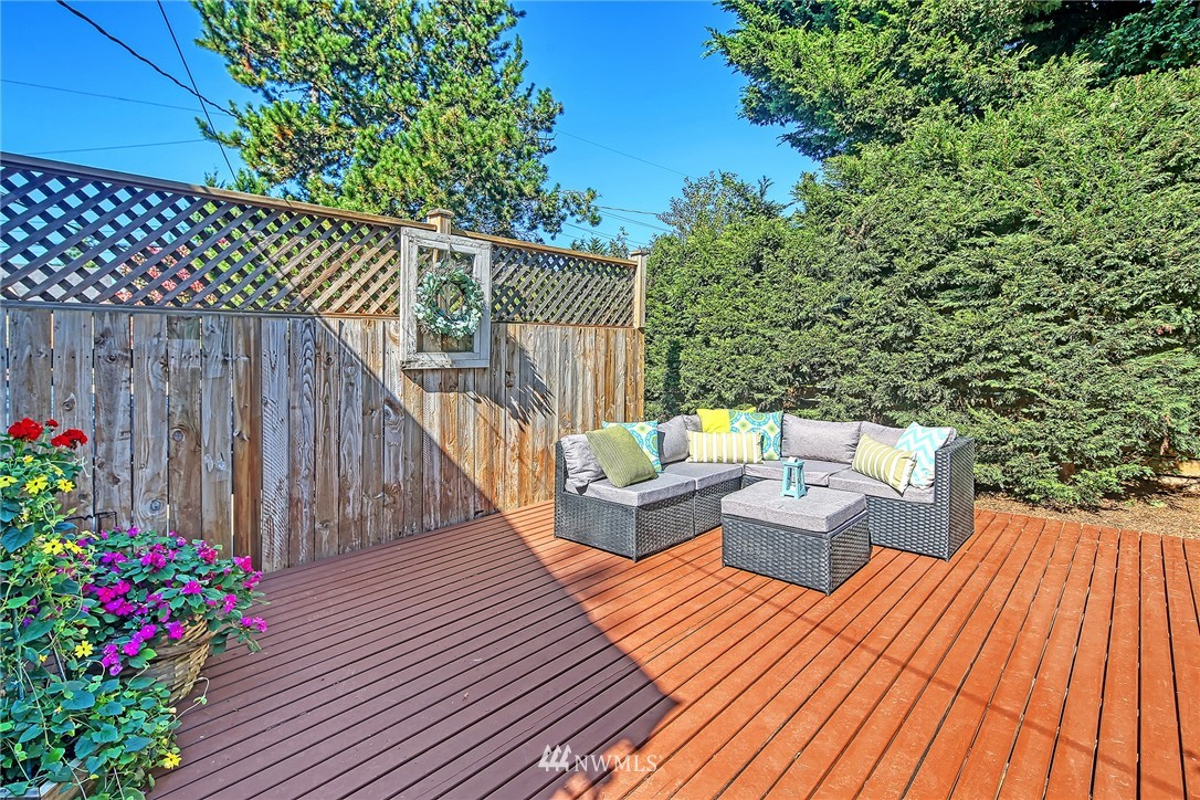 Sold Property | 8002 12th Avenue NW Seattle, WA 98117 16