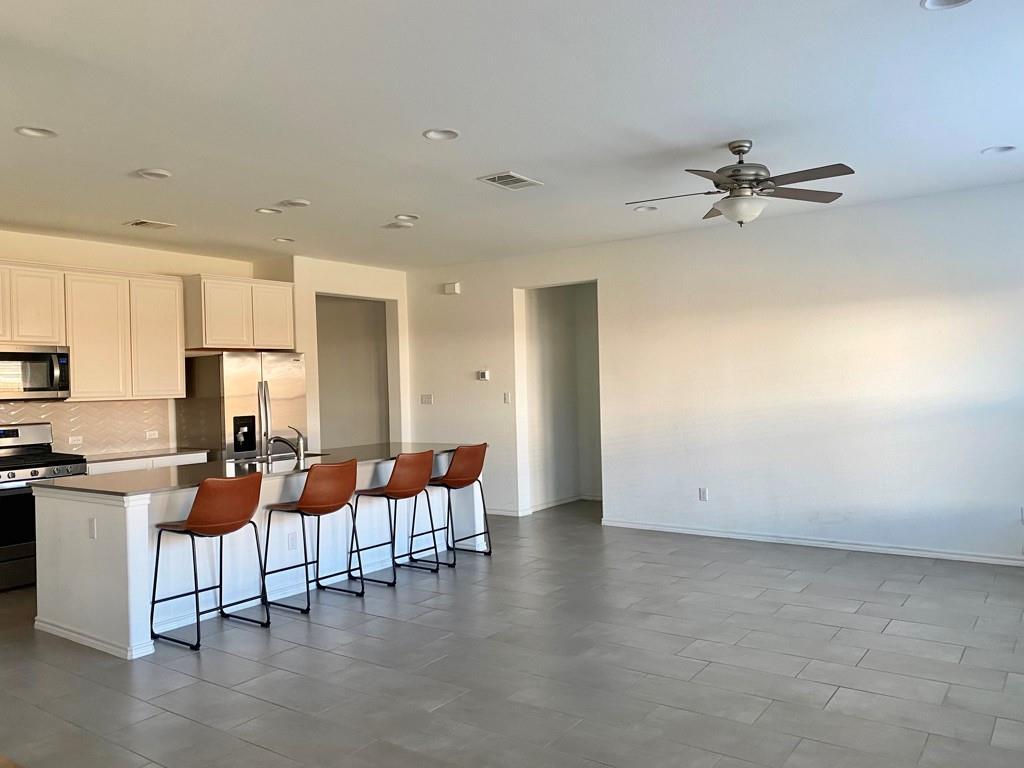 Closed | 801 S San Marcos Street Manor, TX 78653 1