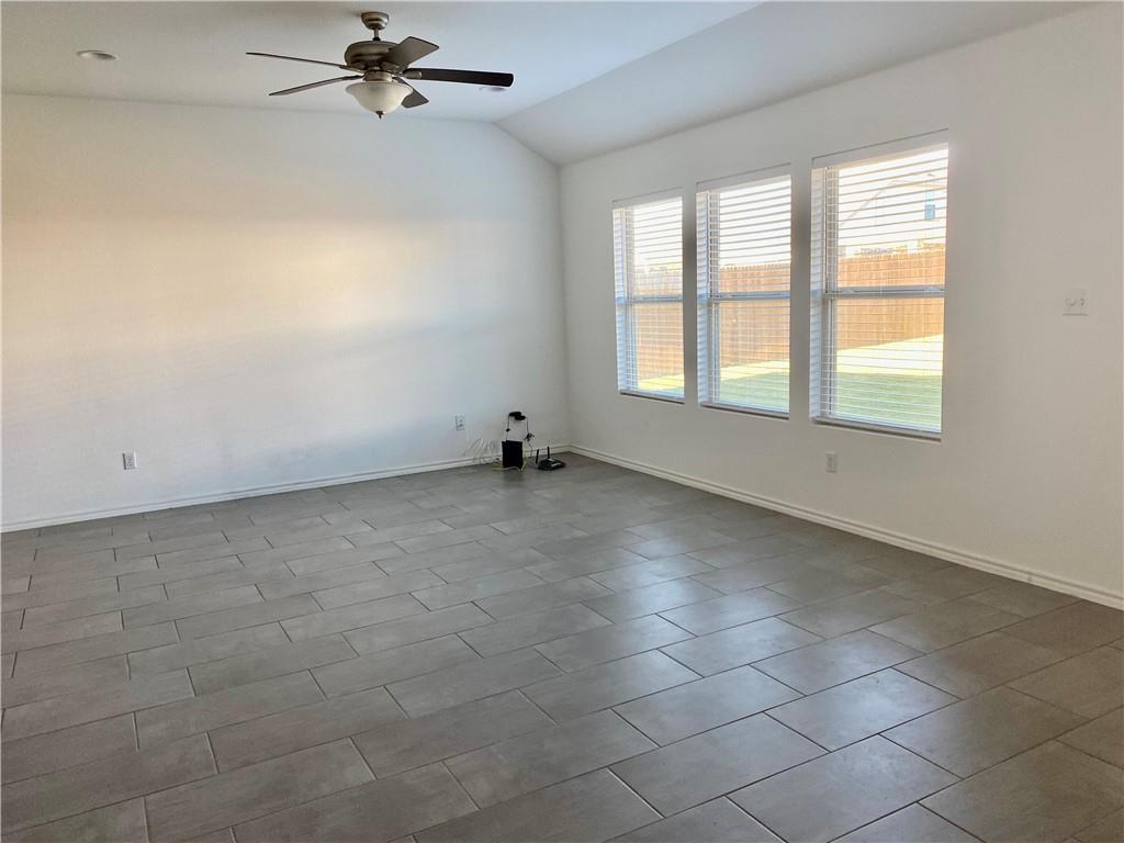 Closed | 801 S San Marcos Street Manor, TX 78653 2