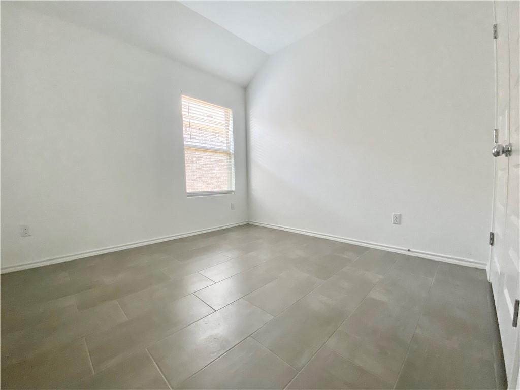 Closed | 801 S San Marcos Street Manor, TX 78653 8