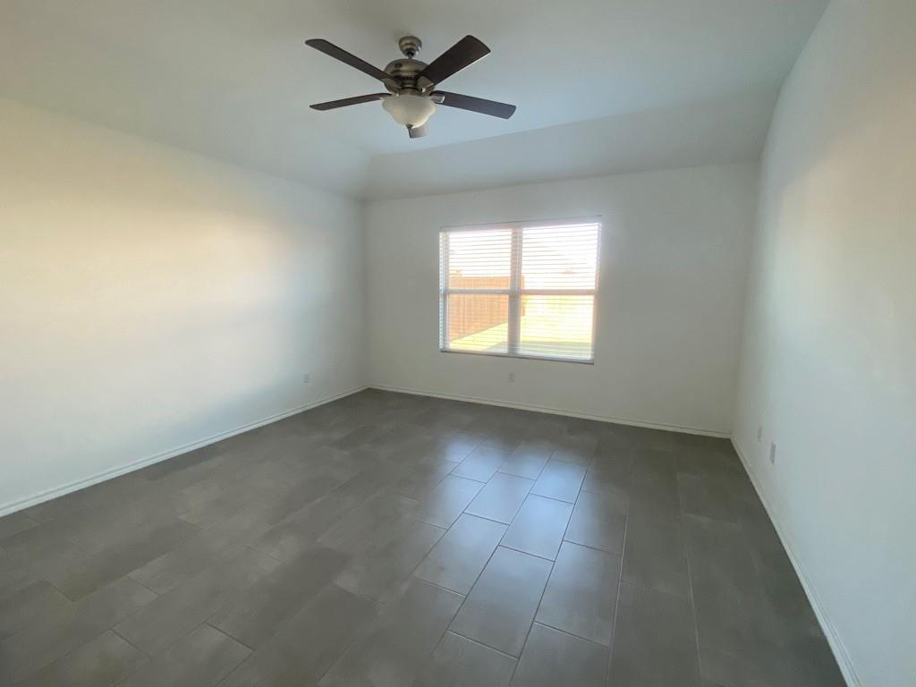 Closed | 801 S San Marcos Street Manor, TX 78653 10