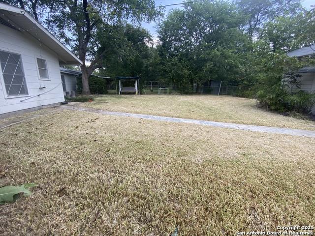 Active/Application Received   415 CRAIGMONT LN San Antonio, TX 78213 17