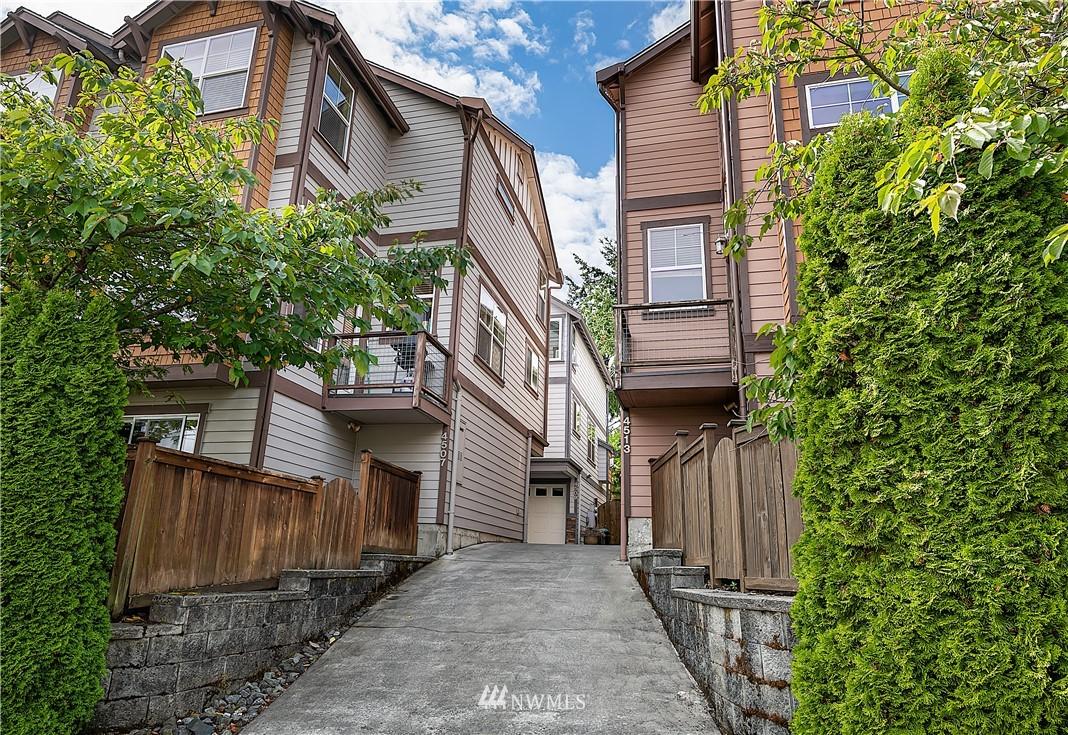 Pending | 4509 Evanston Avenue N #A Seattle, WA 98103 15