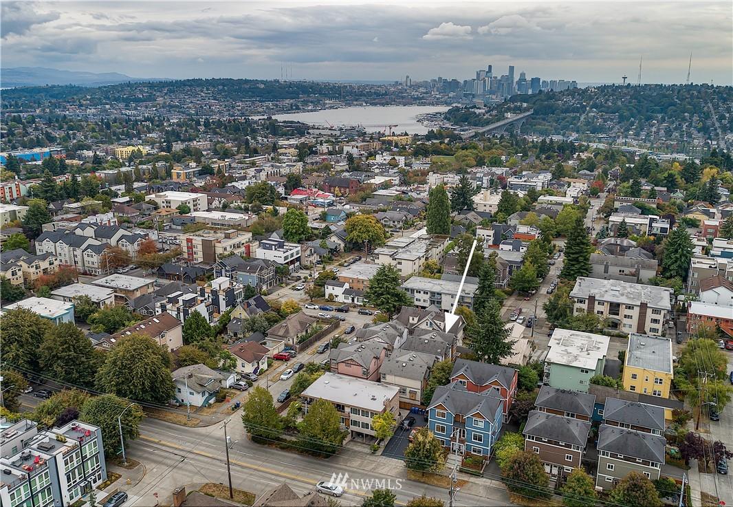 Pending | 4509 Evanston Avenue N #A Seattle, WA 98103 16