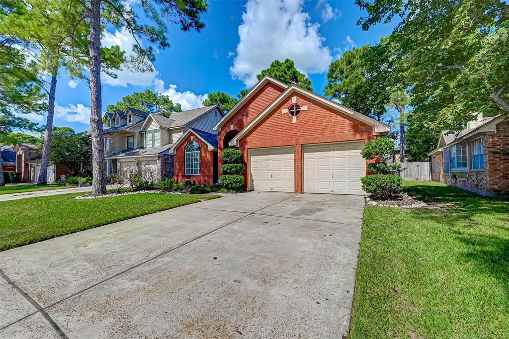 Pending | 8323 Lake Crystal Drive Houston, Texas 77095 1