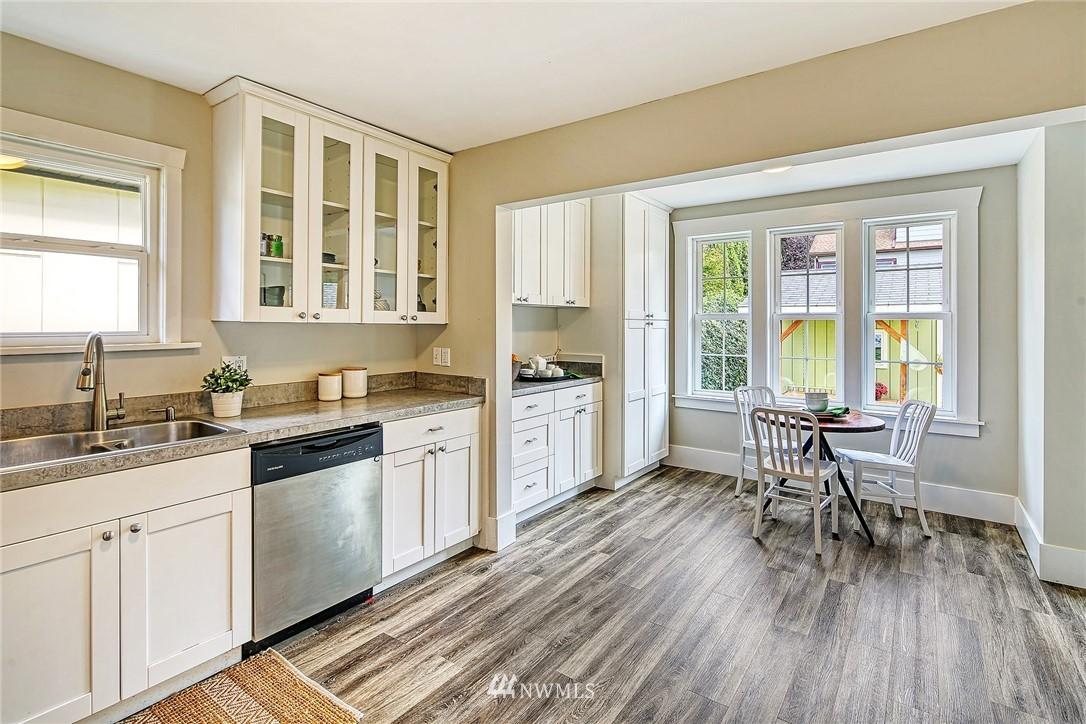 Sold Property | 7540 9th Ave NE Seattle, WA 98115 4