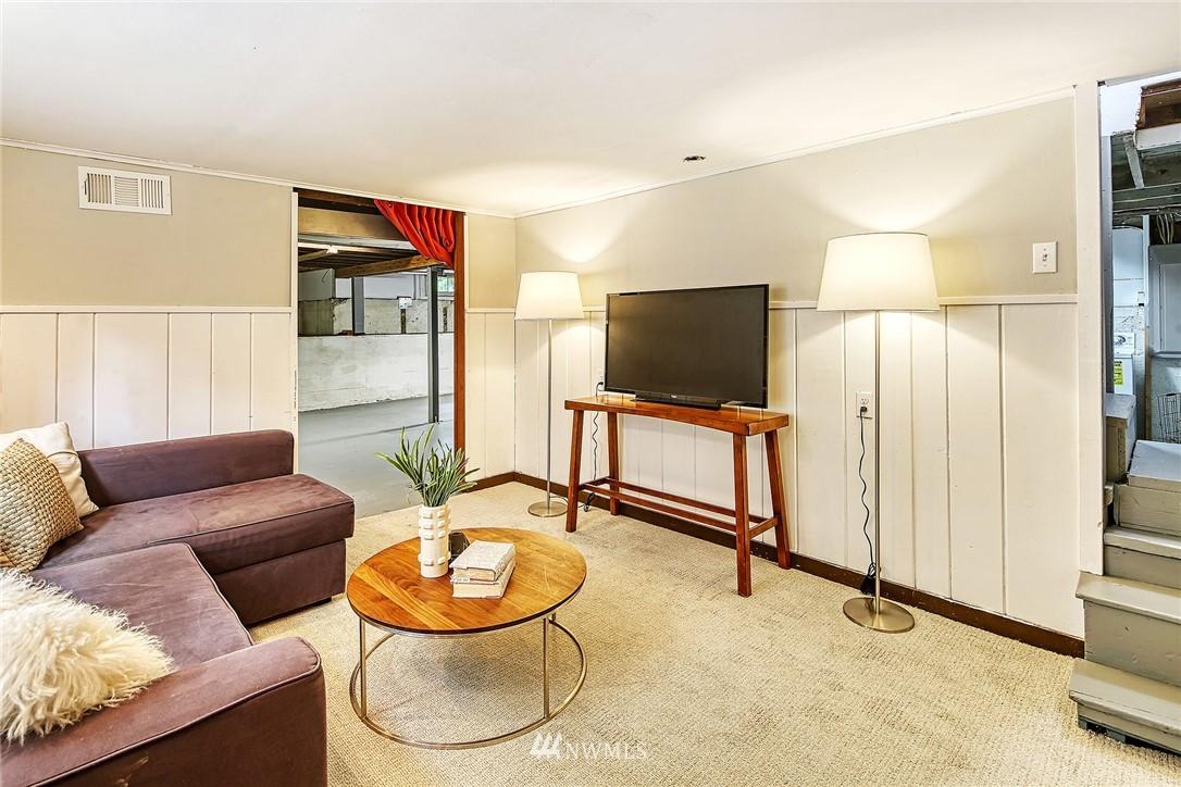 Sold Property | 7540 9th Ave NE Seattle, WA 98115 13