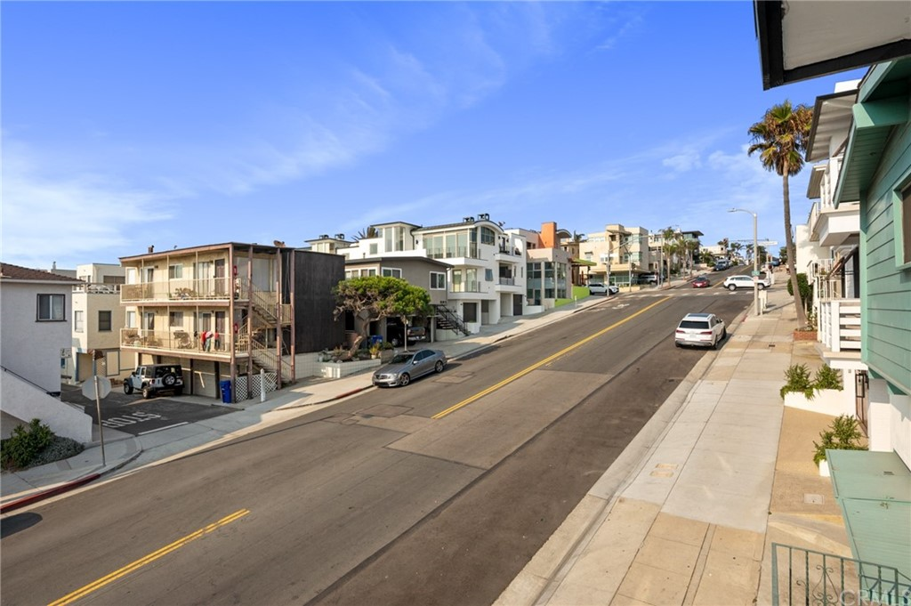 Closed | 208 Marine Avenue Manhattan Beach, CA 90266 10