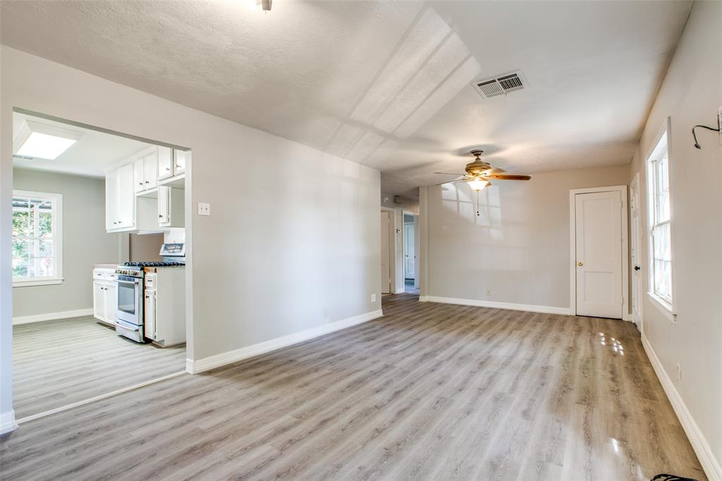Pending   205 Wellington Street Houston, Texas 77076 7