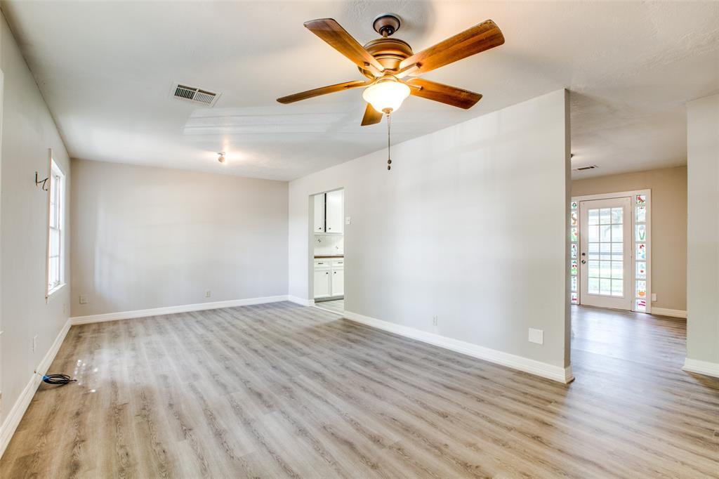 Pending   205 Wellington Street Houston, Texas 77076 8