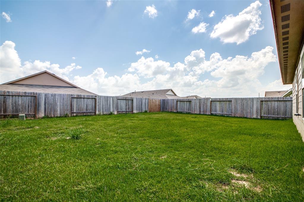 Pending | 2702 Lincolns Meadow Drive Spring, Texas 77373 33