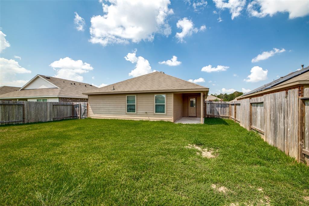 Pending | 2702 Lincolns Meadow Drive Spring, Texas 77373 34