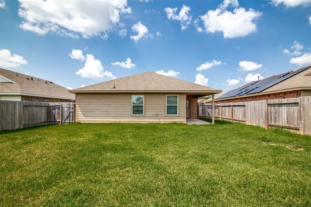 Pending | 2702 Lincolns Meadow Drive Spring, Texas 77373 35
