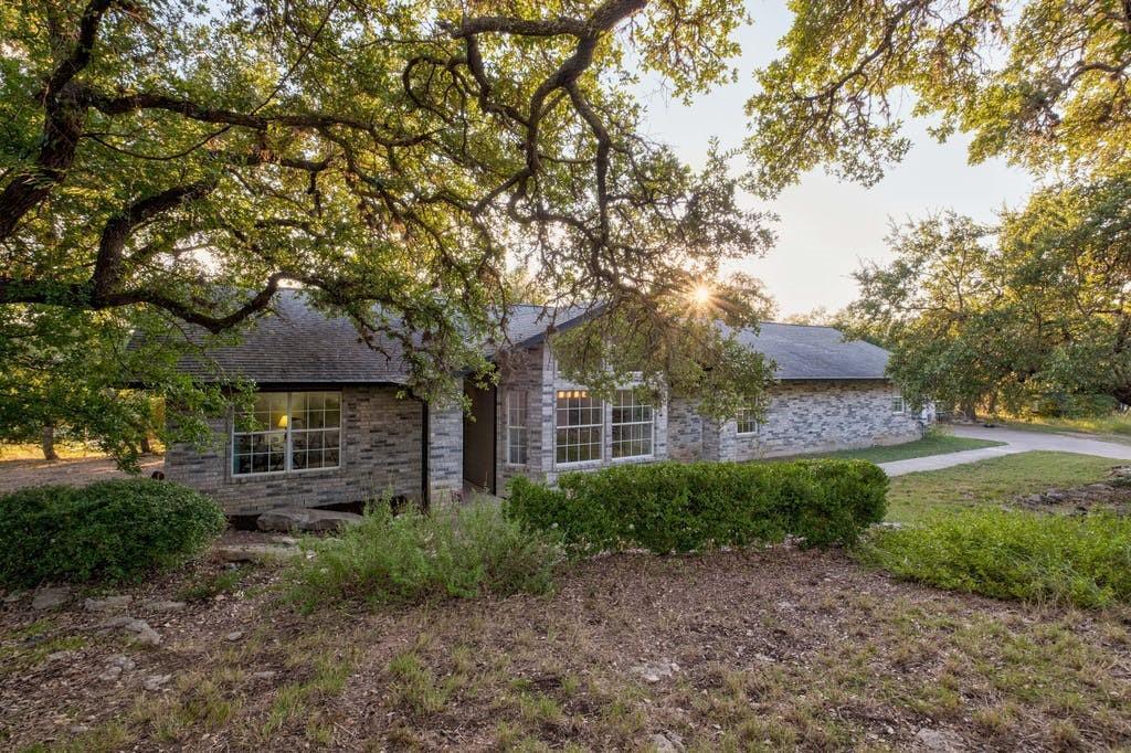 Active | 11402 Antler Bend Road Austin, TX 78737 2