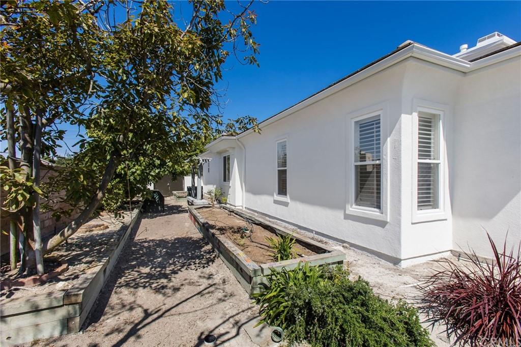 Pending   68 Sea Breeze Avenue Rancho Palos Verdes, CA 90275 55