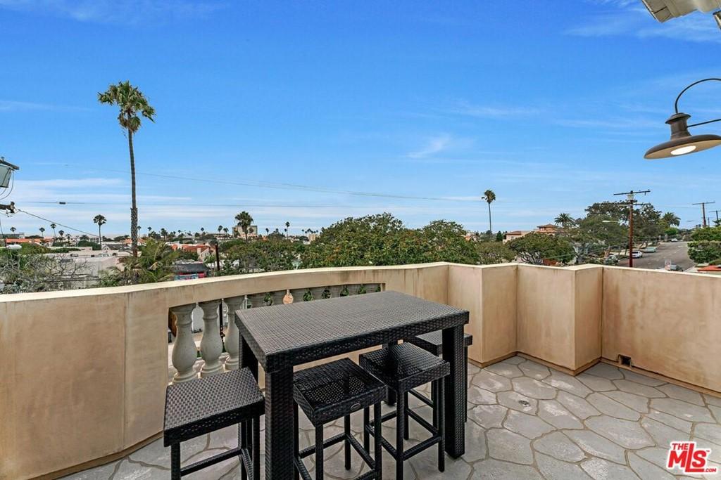 Active | 524 S Francisca Avenue Redondo Beach, CA 90277 50